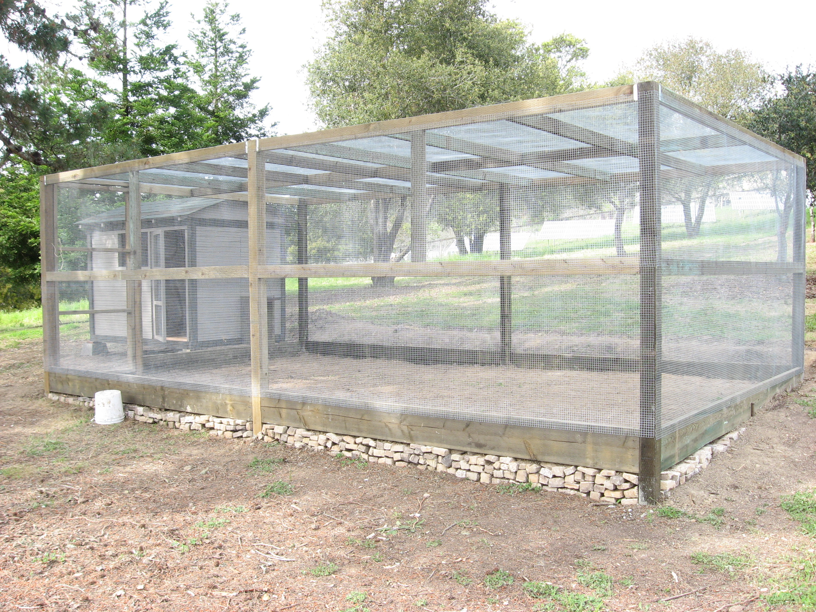 Custom made chicken coops and yards cluck cluck coops for Chicken coop with run for 6 chickens